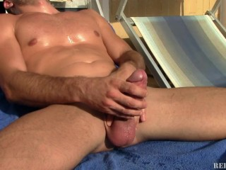 Hidden to parent jerking and shot 9 times with 3 squirts under the sun!!