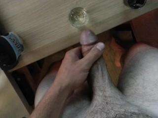 Do women see thier clitoris easy