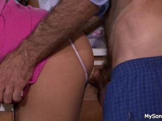 Audree Jaymes Pussy Family taboo sex is discovered
