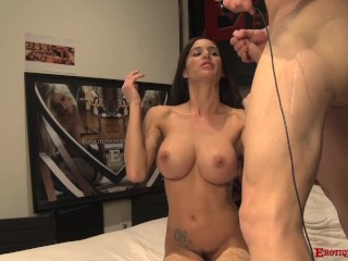 Sexy whore Gia Dimarco loves being fucked live with Eric John for her fans