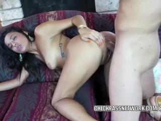 Horny slut Gigi Loren takes some big cock and gets a facial