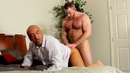 Muscle dude drilling daddy's ass
