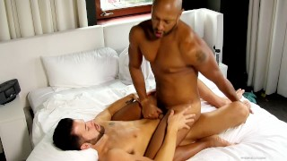 Straight married guy likes to fuck guys when his wife is away