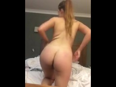 FAT ASS TEEN FUCKING HERSELF IN HOTEL