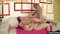 BBWs Eliza Allure and Jordan Luxx share a cock