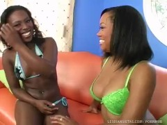 2 Hot Black Girls Pleasure Each Other!