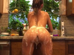Riley Reid does the dishes naked