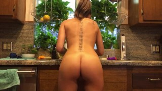 Preview 3 of Riley Reid does the dishes naked