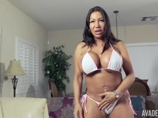 Ava Devine shoves a big toy up her ass