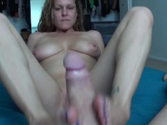 Ashley's First Footjob Video Ever, Je...