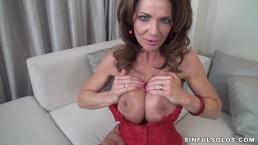Sexy MILF Deauxma fucks herself.