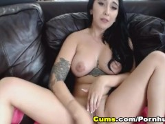 Tattooed Busty Babe Masturbates On Cam