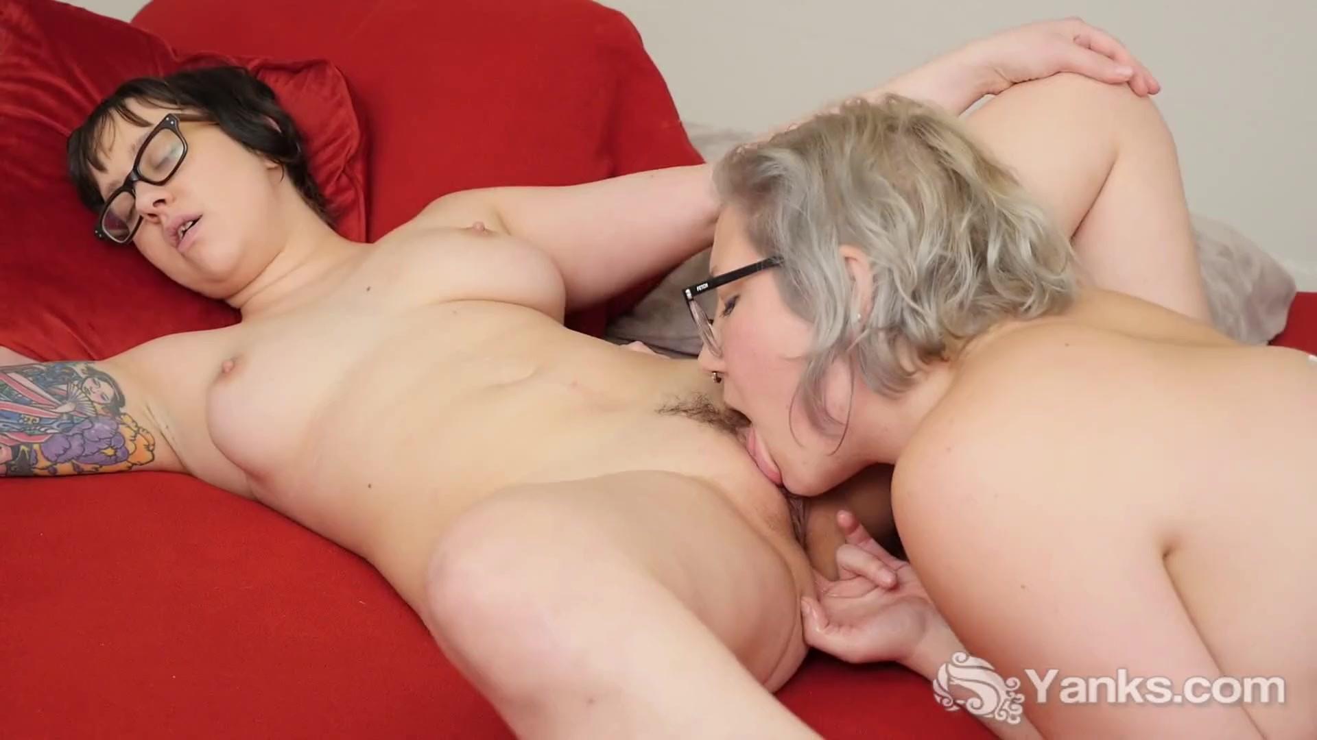 Yanks Lesbians Caleigh Co And Summer Lynn Vids