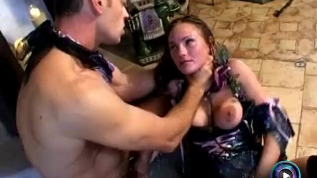 Big tits porn stream Venus rewarded her slave rocco by giving the roughest fuck she can give