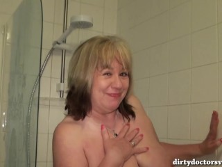 Dirty British Mature Pissing in the Bath before Showering