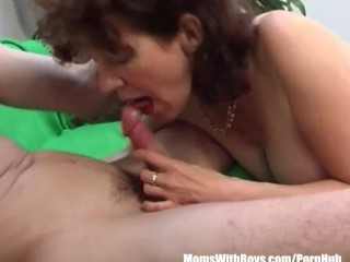mature-pussy-young-penis