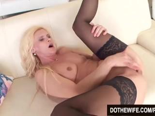 Pussy Boner Mature Slut Scarlet Mika Enjoys A Black Dick, Blonde Interracial Milf Small