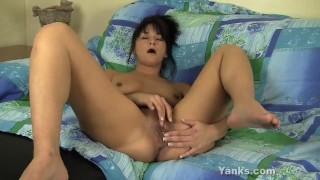 Snatch tara milf her fingering tits orgasm