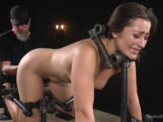 The Pope vs Dani Daniels - Playful Creature