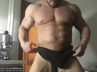 22yo bodybuilder ripped flexing at JockMenLive
