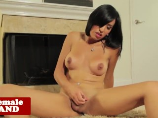 Solo tgirl Vivian Rockwell toying her ass