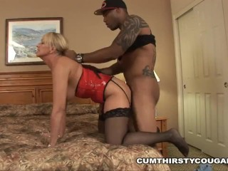 Willow Shields Mom Fucking, Cougar whore Susan Reno is needing a BBC to choke down and gets demolished