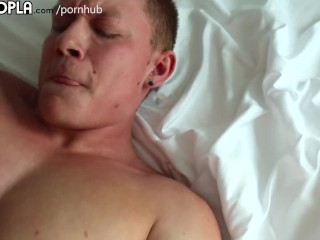 Tons Of Hot Guys Who Can't Stop Cumming.