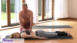 FitnessRooms Dirty yoga teacher on gorgeous fitness model porno