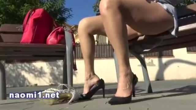 naomi in a public park, blowjob