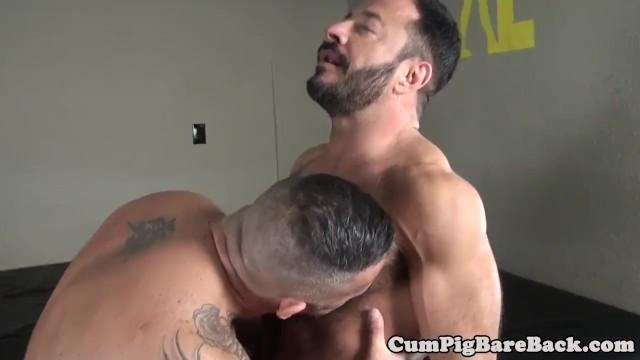 Le saca toda la leche a su amigo – XXX BoyFriendTV Porn Site