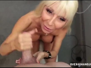 Hot milf wants a facial cumshot