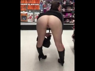 Girlfriend Flashes in Public Store