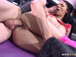 Sophia Laure gets fucked at yoga - Brazzers