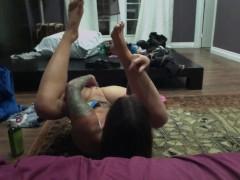 Felicity Feline Butt Plug Play while doing webcam