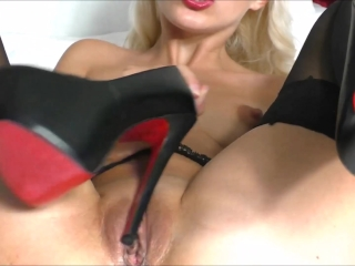 Female orgasms solo masturbation