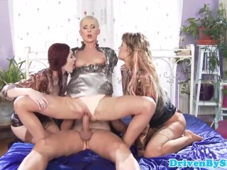 Pissloving glam babes soaking wet groupsex