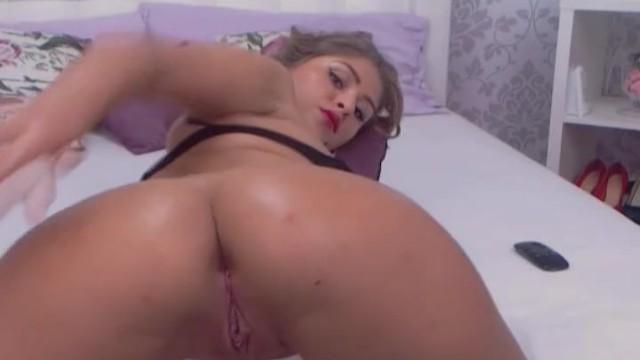 Stunning Sexy Teen Finger Fucks Herself On Cam