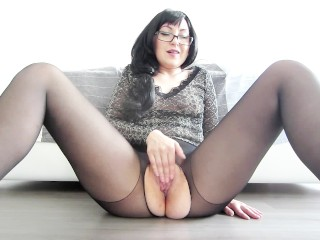 Thinking Of Your Cock – Wet Pussy Masturbation On Cam And Orgasm
