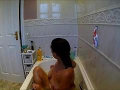 Spying, Hidden Cam in Bathroom, Mom Caught Shaving Pussy