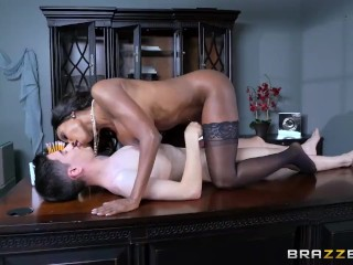 Diamond Jackson fucks a lil white boy - Brazzers