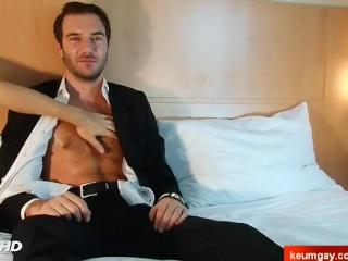 An innocent str8 baker serviced his big cock by a guy!