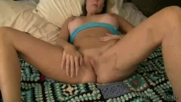 MILF Kylie Masturbating Her Twat