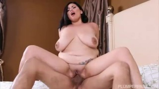 In castro sexy babe the selena bath busty fucks natural shaved