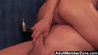 AdultMemberZone – Hot babe Emma Mae receives a very nice dick massage