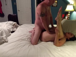 Amateur wife gets pussy pampered during late night rendezvous...