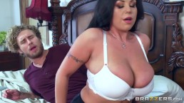 Milf Sheridan Love sucks cock - Brazzers