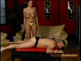 Lusty stunner Gianna Michaels really enjoys spanking a latex-clad stallion