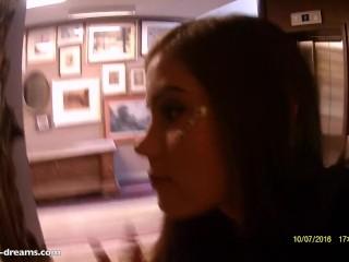 Pompino nella RECEPTION dell' Hotel : Little Caprice
