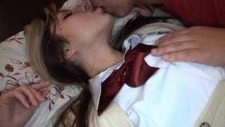 エロティックのJSロリ少女が変態ロリコンにセクハラを受ける