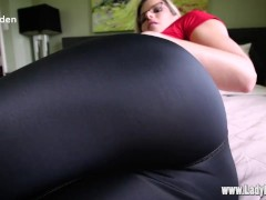 farts in tight pants